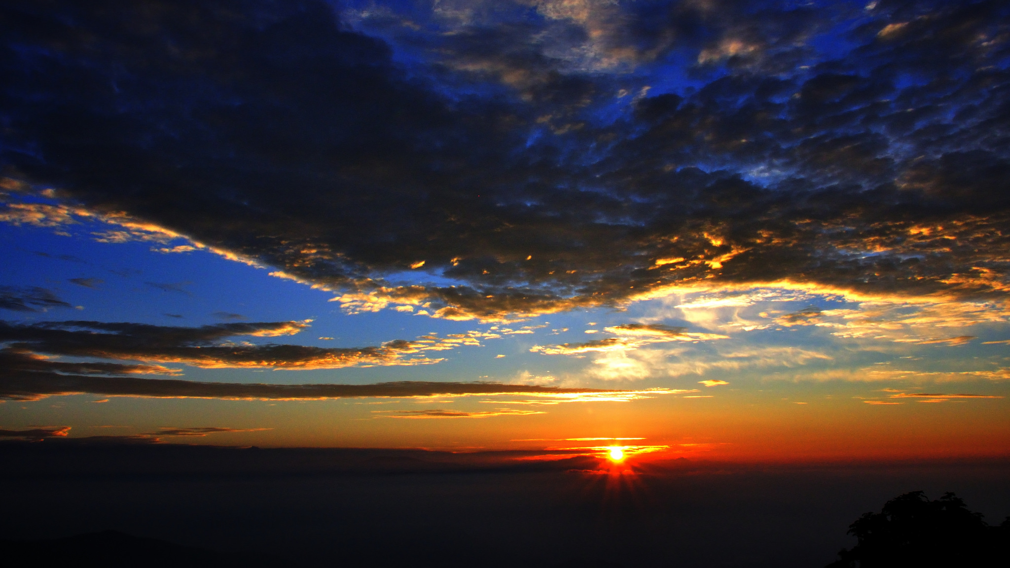 Sunrise & Sunset from Tiger Hill
