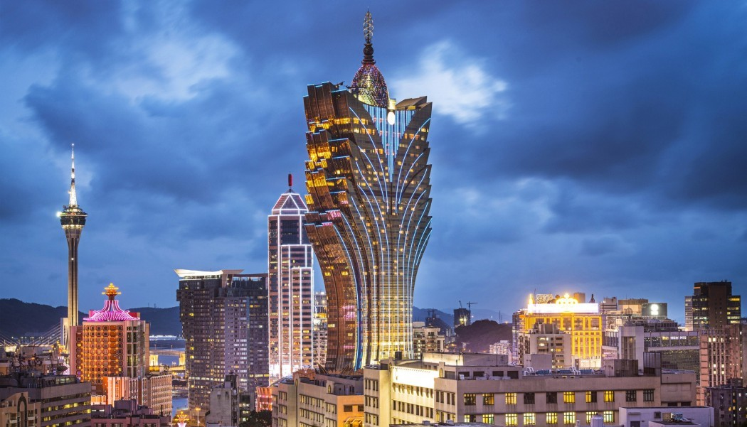 Macau-China-Grand-Lisboa-Hotel-Images-e1446469029897