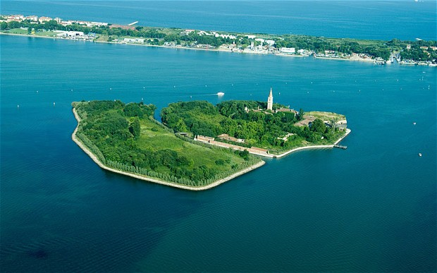 Mysterious Places you can NEVER visit - Poveglia Island
