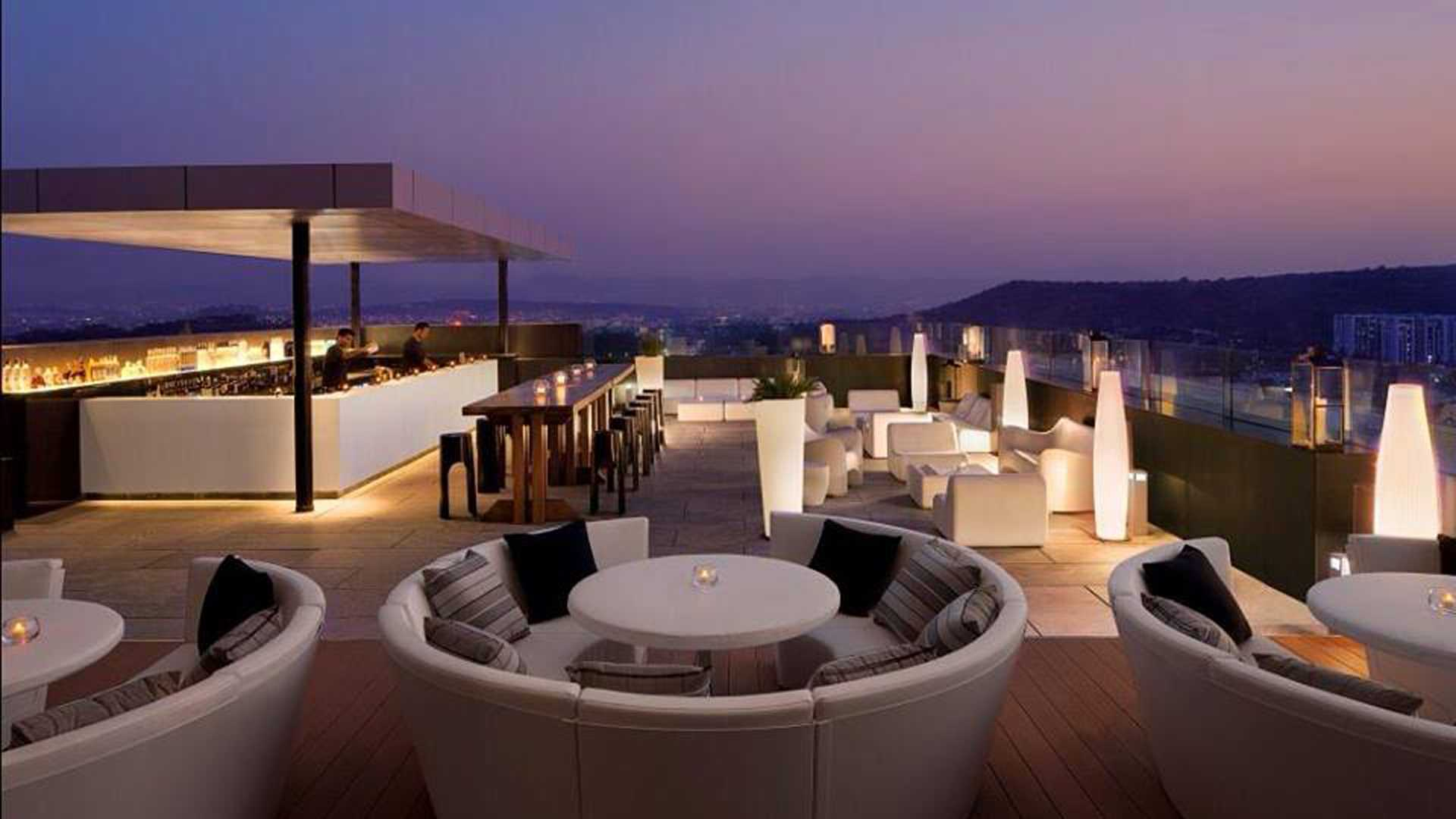 7 Rooftop Bars in India to Hit this Summer - Via.com ...